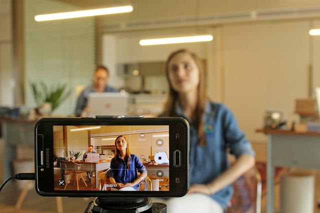 natáčení na mobilní telefon