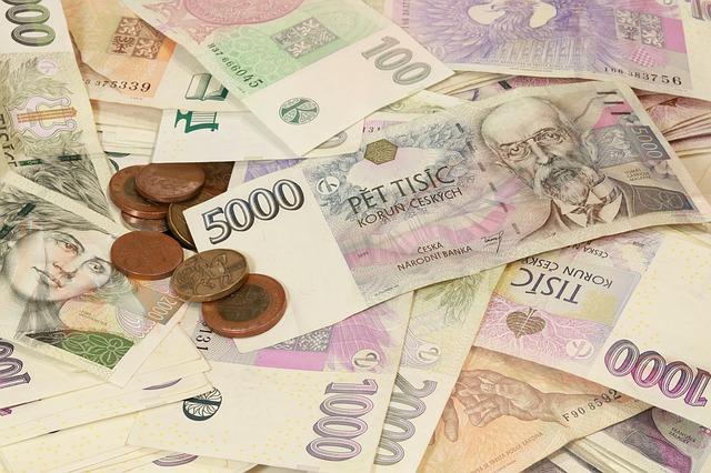 české koruny a peníze