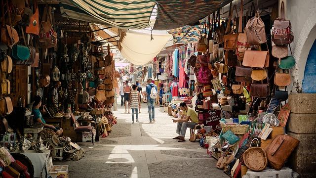 tržiště s oblečením