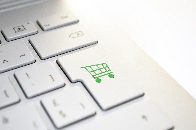 logo eshopu na klávesnici